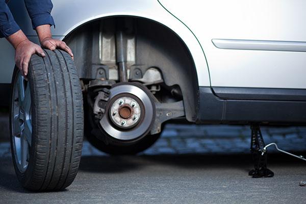 Reifenwechsel Radwechsel Auswuchten Reifeneinlagerung Altreifenentsorgung